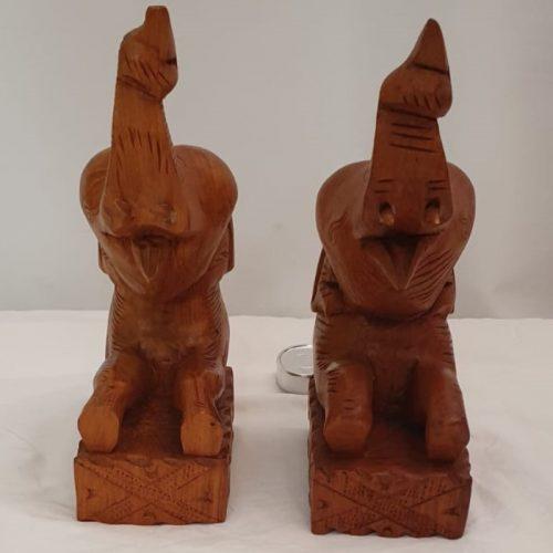 Boekensteun hout olifant